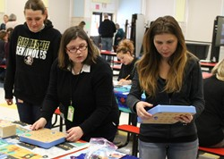 SLS Lindsay Neumire introduces teachers to Cubettos.