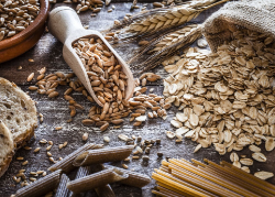 Image of different kinds of whole grain