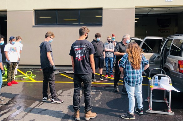 Automotive class being held outside at CTE